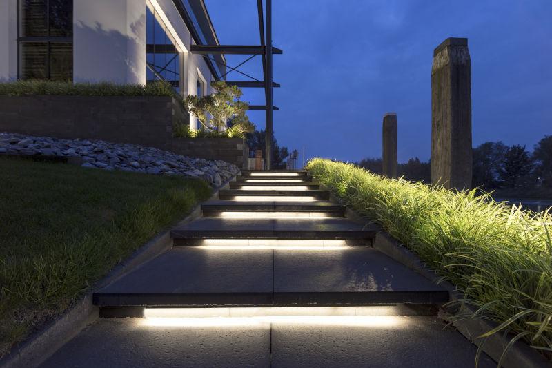 Tuinverlichting In Tegel : Tuinverlichting bouwcenter baauw